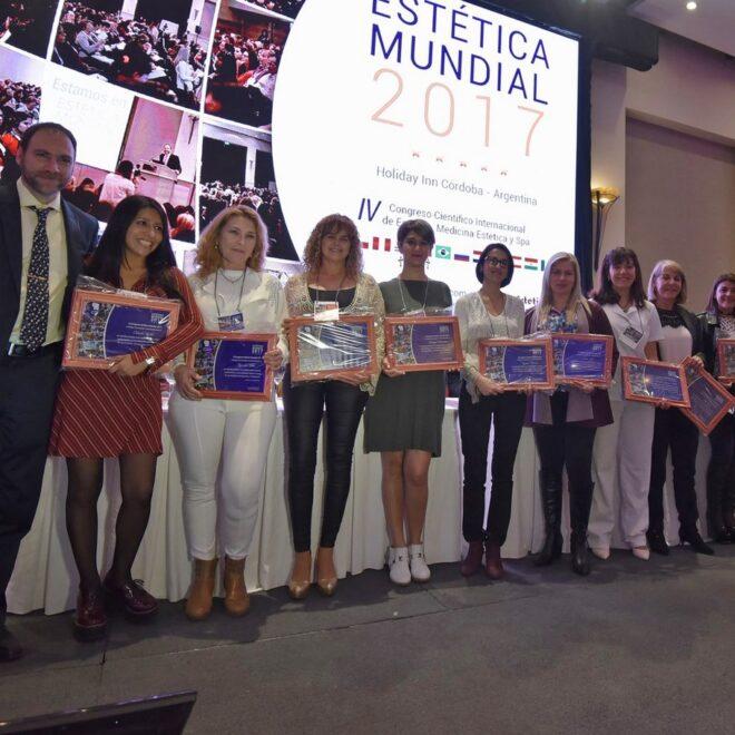 Premiaciones en el acto de cierre del IV Congreso Científico Internacional ESTÉTICA MUNDIAL 2017.