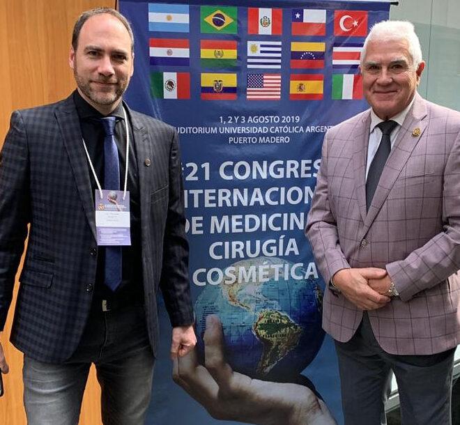 Con el Dr. Julio Ferreira en el 21 Congreso Panamericano de Medicina y Cirugía Cosmética, Buenos Aires, 2019.