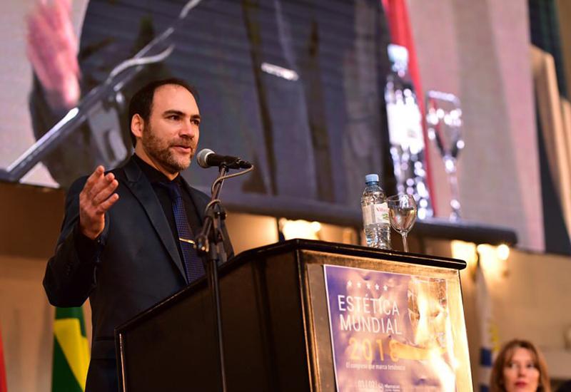 Conferencia en el marco del V Congreso Científico Internacional ESTÉTICA MUNDIAL 2018.